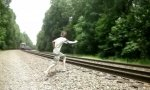 Unfreiwilliger Zug-Sprung-Stunt
