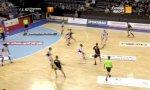 Fußspiel beim Handball