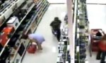 Kleiner Perversling im Supermarkt