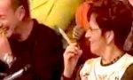 Oma raucht Riesentüte in TV-Show