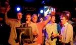 Männer-Karaoke