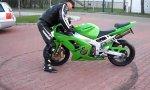 Stehender Motorrad Donut