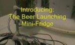 Minikühlschrank mit Bierwurfarm