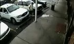 Lustiges Video : Einparken mit Schwung