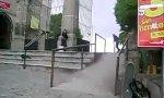 Skate-Trick No. 122: Railgrind Headstander